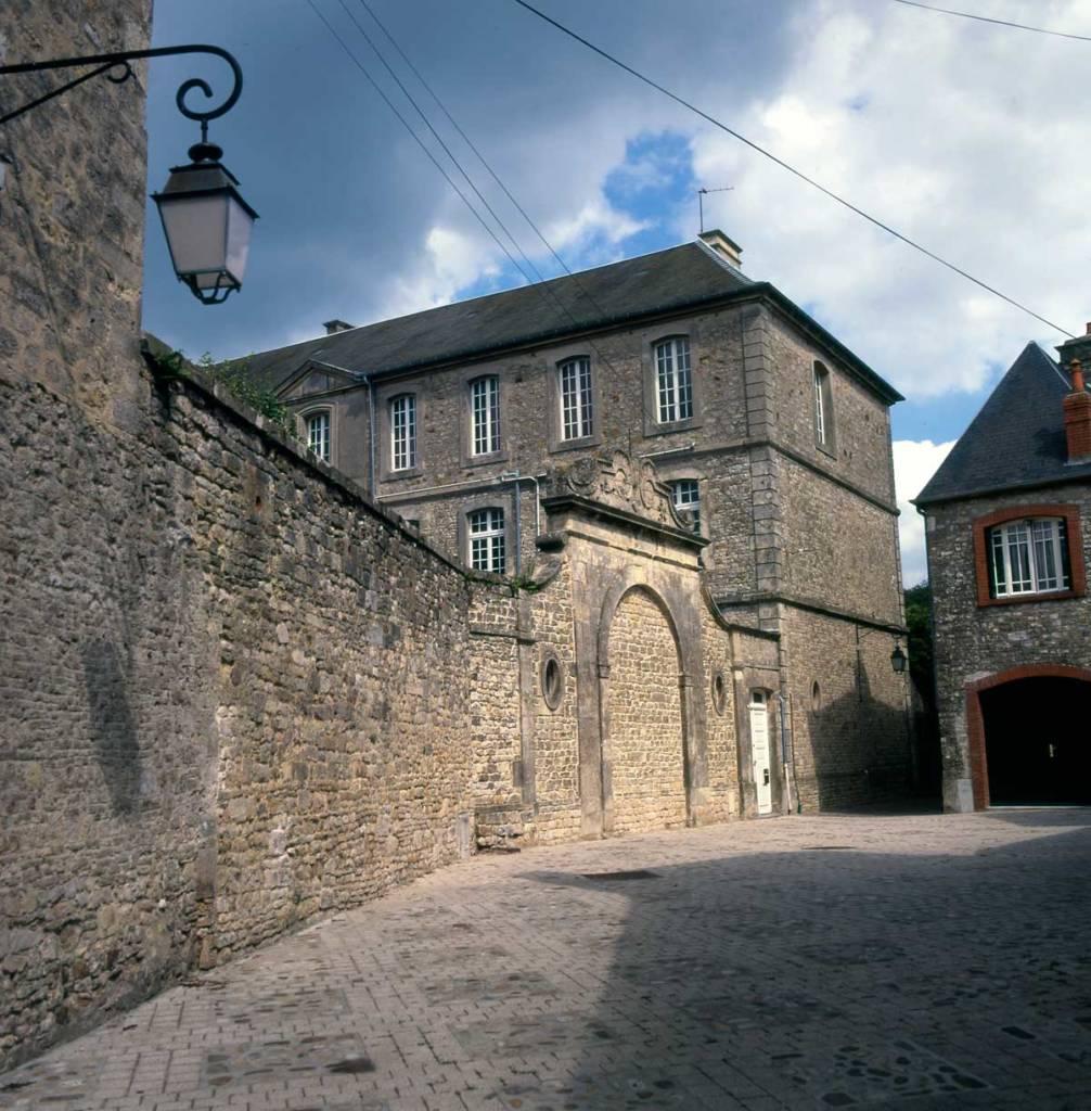 Ancien couvent de Carentan les Marais
