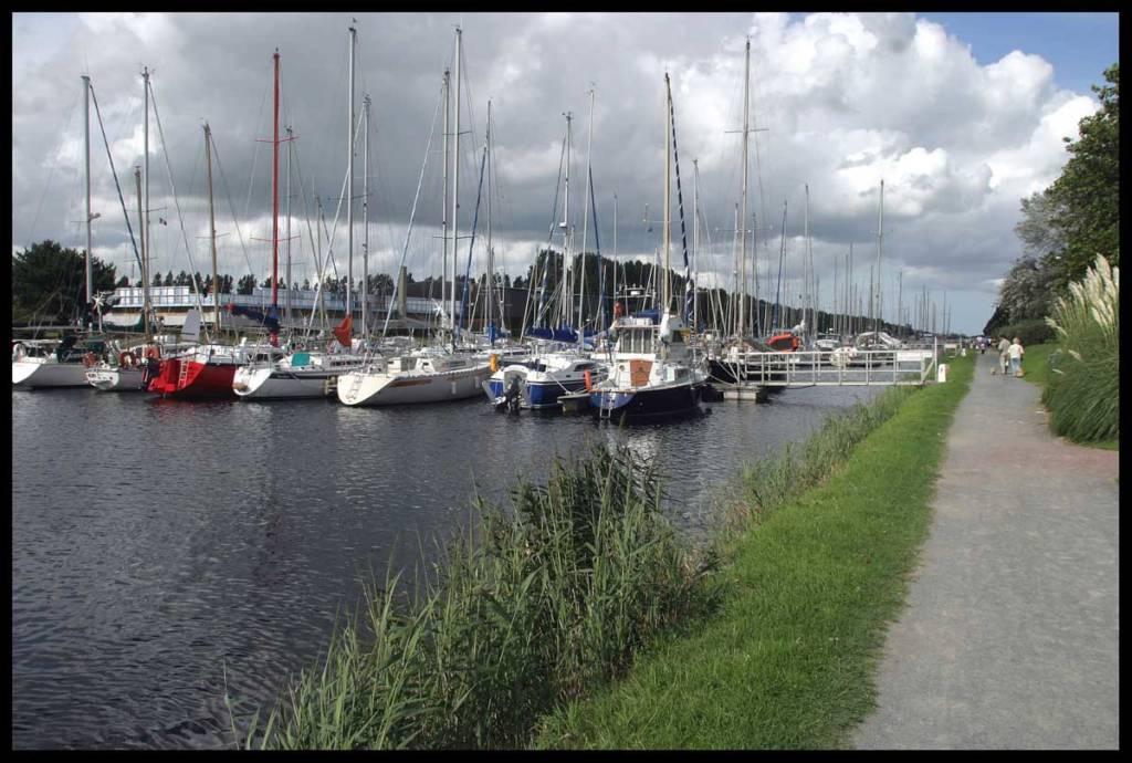 Bateaux au port de Carentan les Marais
